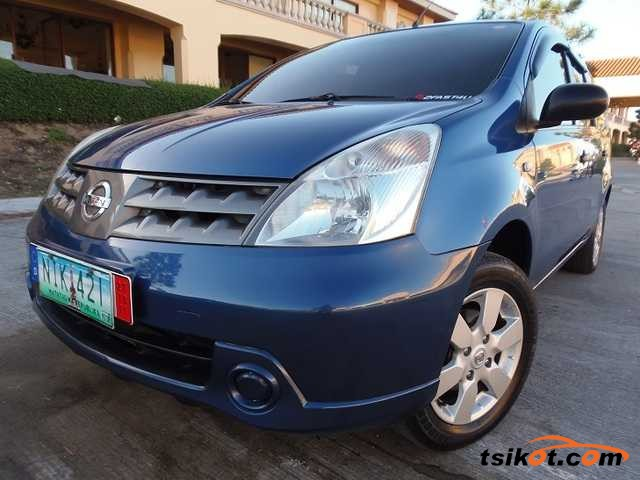 Nissan Grand Livina 2010 - 1