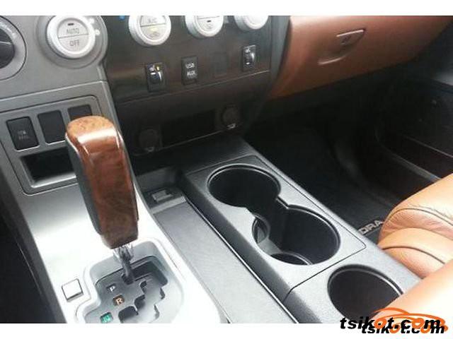 Toyota Tundra 2011 - 3