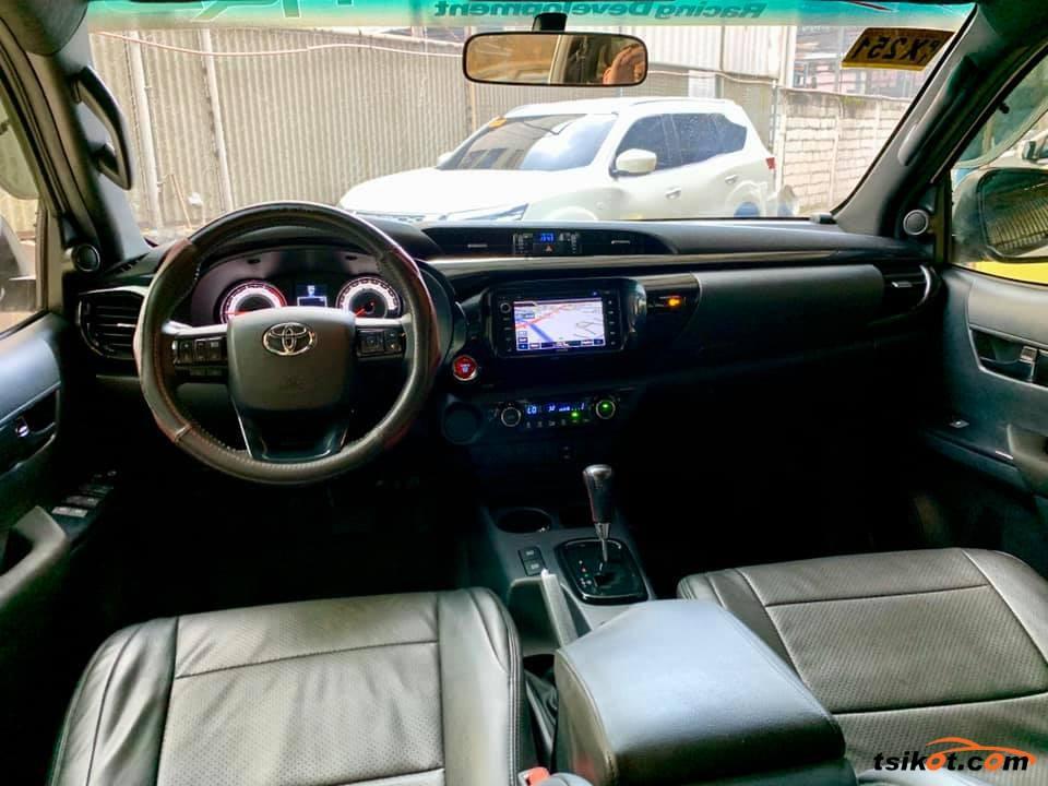 Toyota Hilux 2018 - 7
