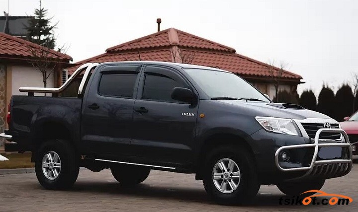 Toyota Hilux 2012 - 1