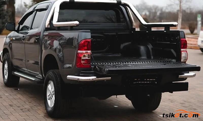 Toyota Hilux 2012 - 3