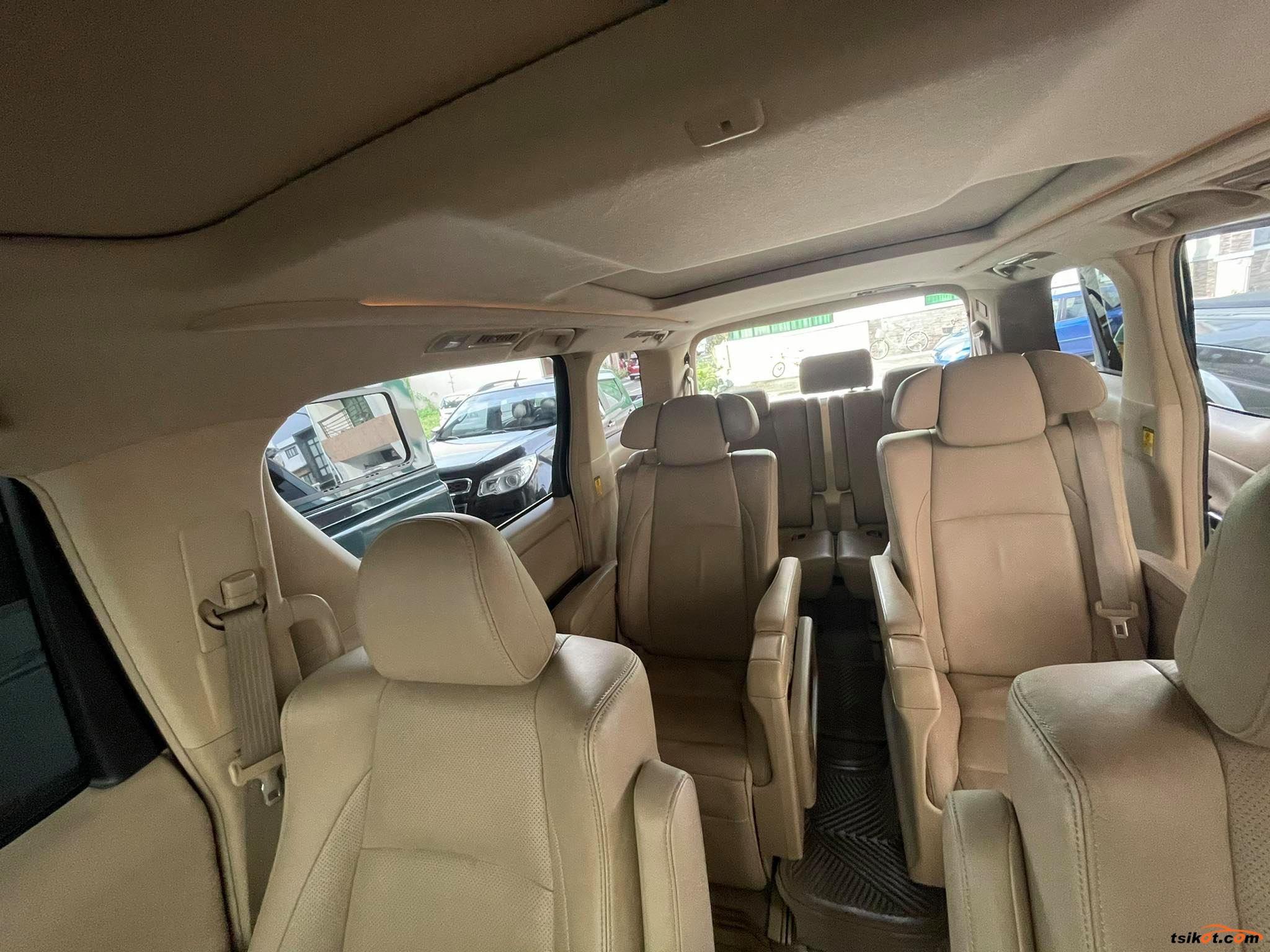 Toyota Alphard 2011 - 6