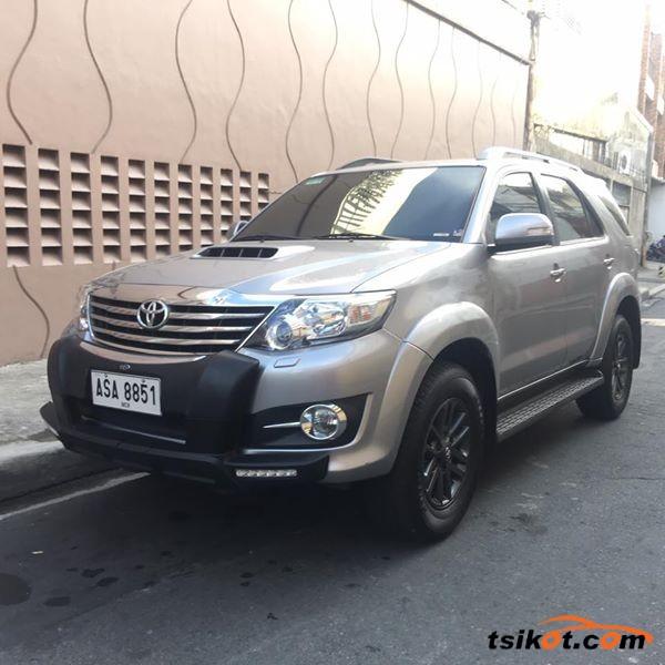 Toyota Fortuner 2015 - 5