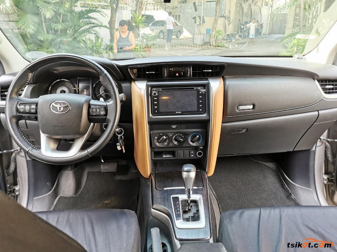 Toyota Fortuner 2017 - 6