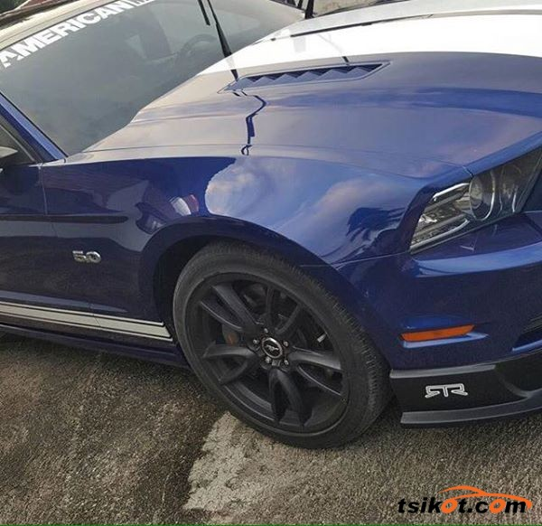 Ford Mustang 2013 - 4