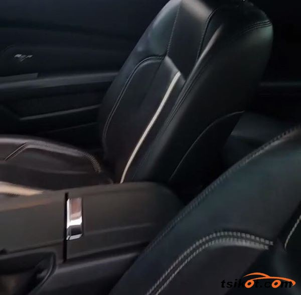 Ford Mustang 2013 - 9