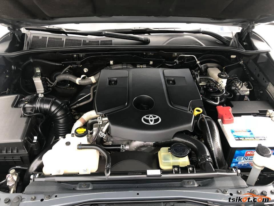 Toyota Hilux 2016 - 8