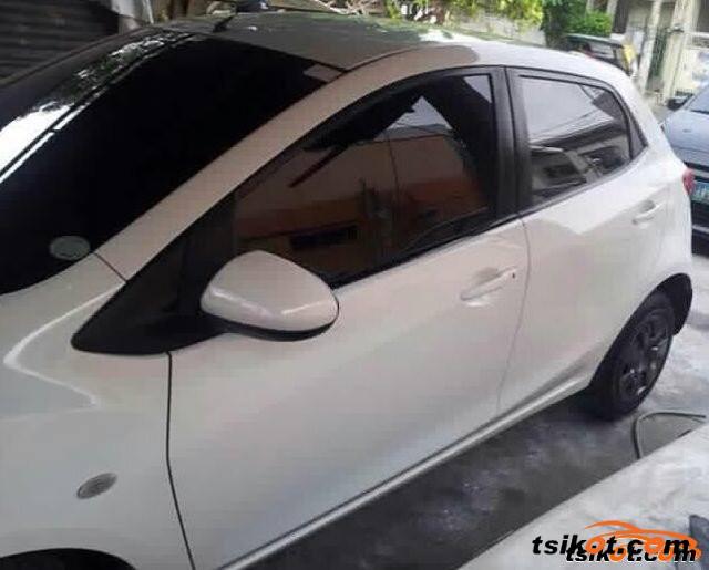 Mazda 2 2011 - 2