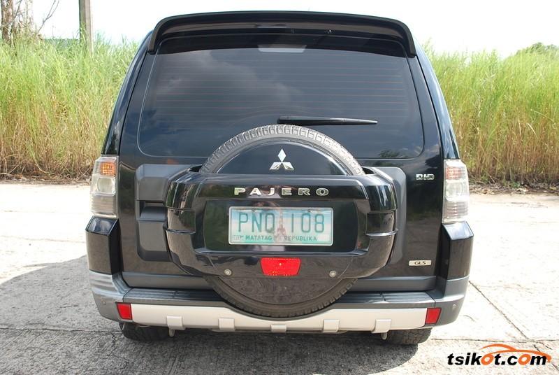 Mitsubishi Pajero 2010 - 2