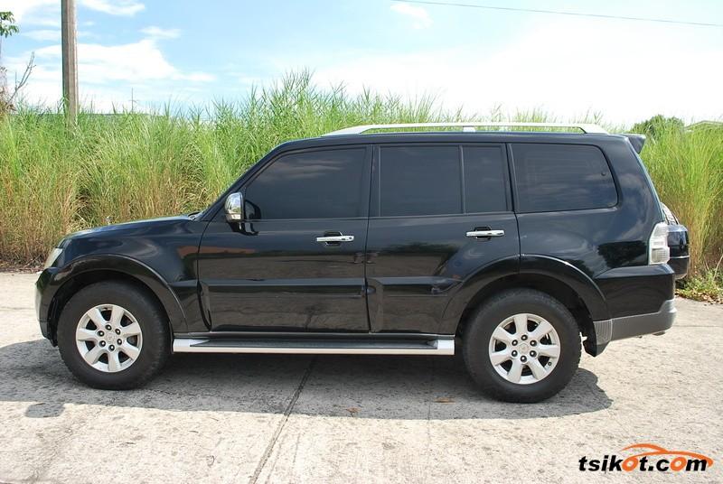 Mitsubishi Pajero 2010 - 3
