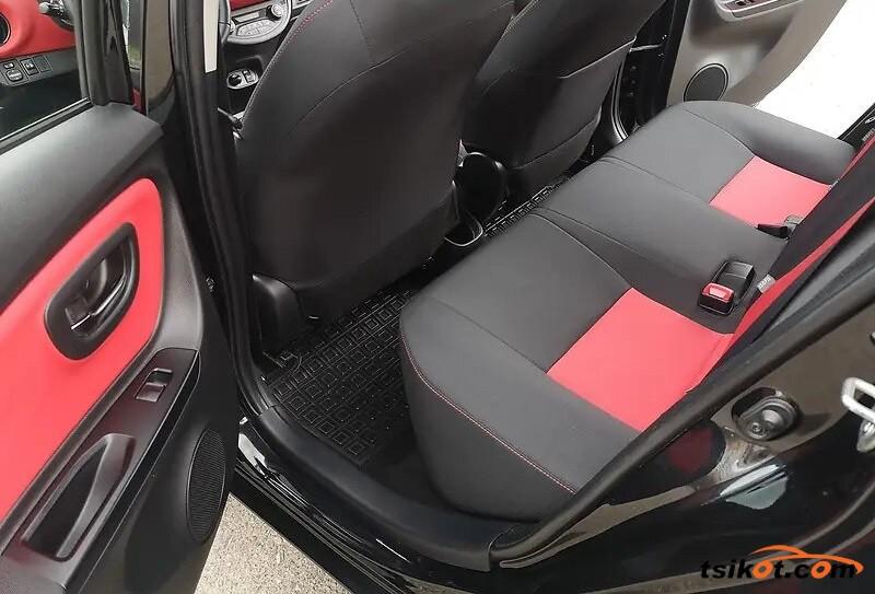 Toyota Yaris 2015 - 5