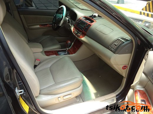 Toyota Camry 2004 - 4