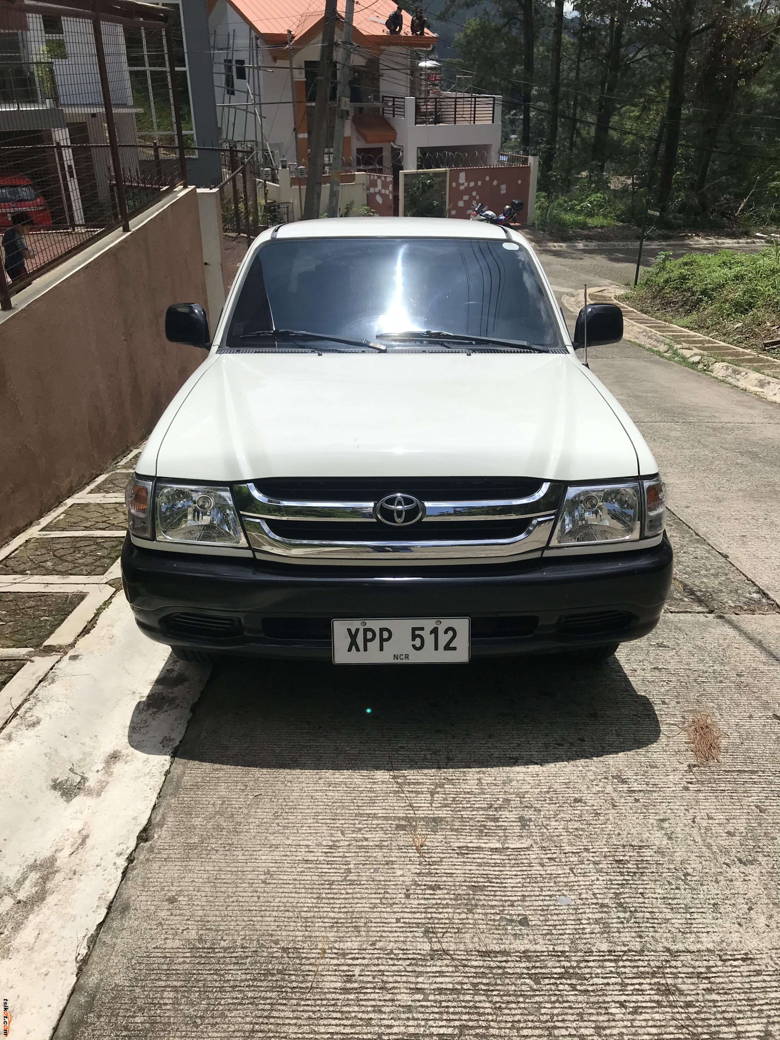 Toyota Hilux 2004 - 5