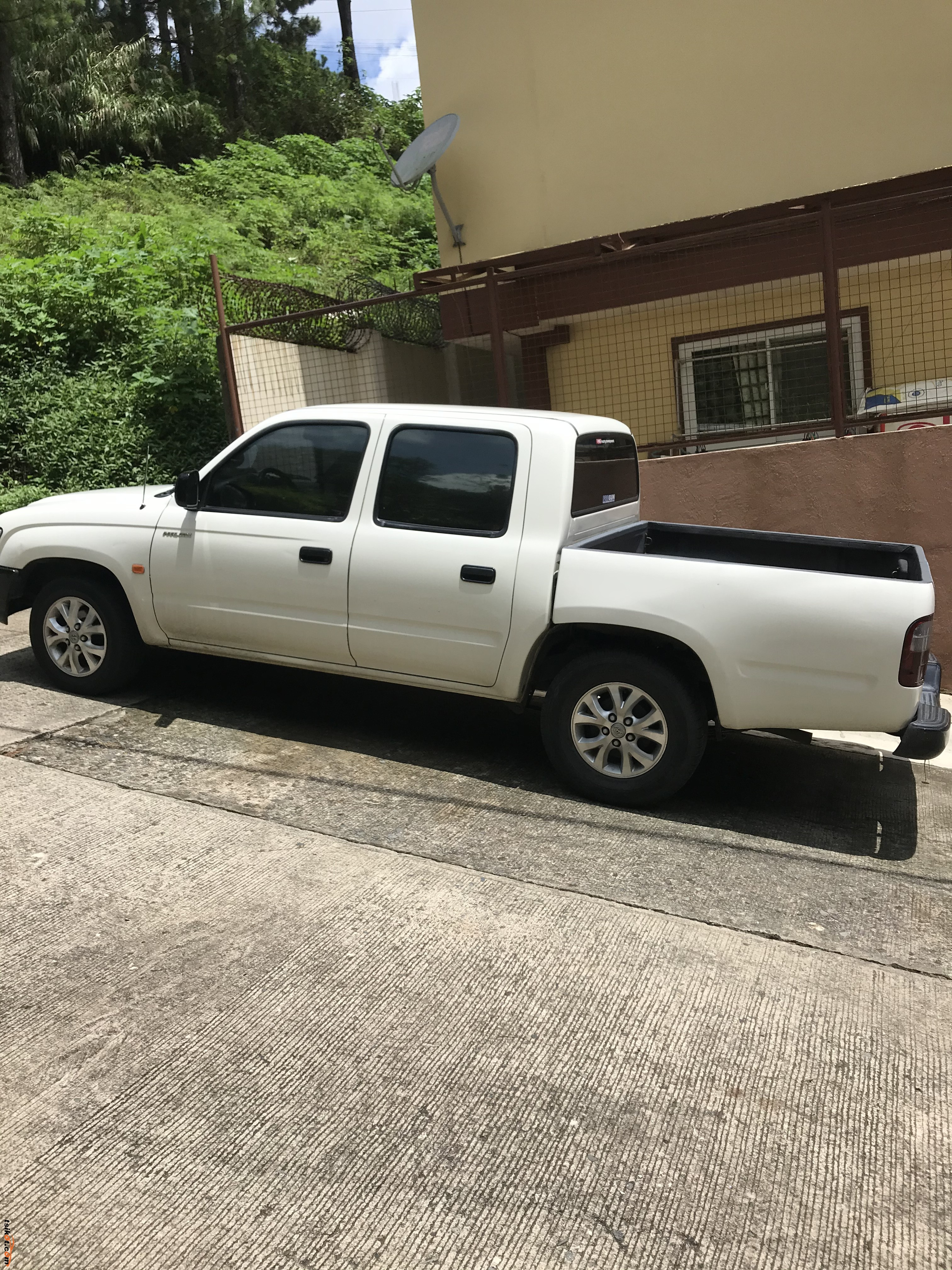 Toyota Hilux 2004 - 6
