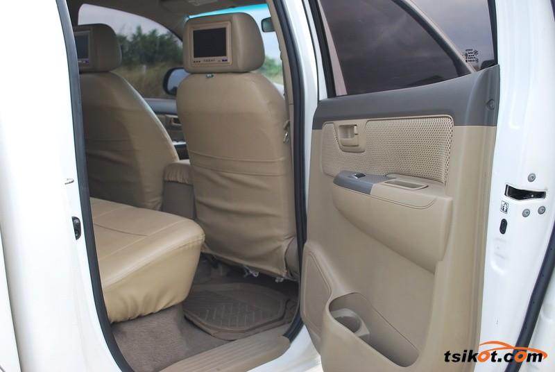 Toyota Hilux 2013 - 3