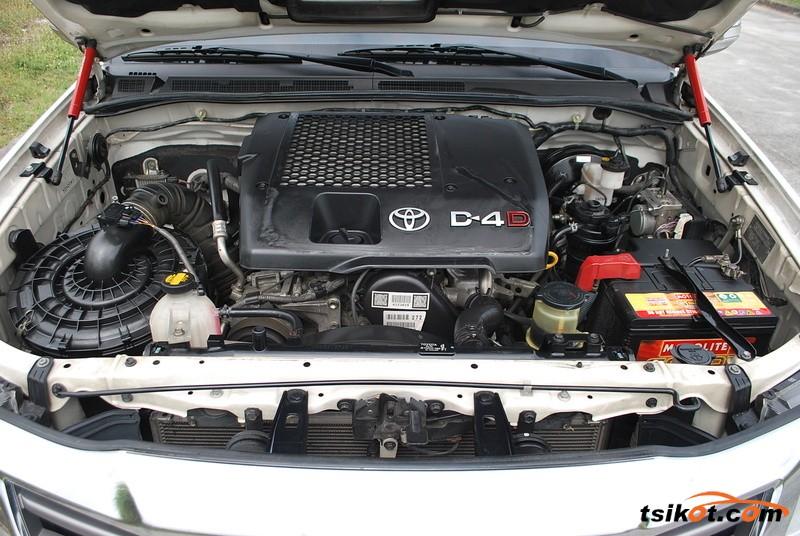 Toyota Hilux 2013 - 6