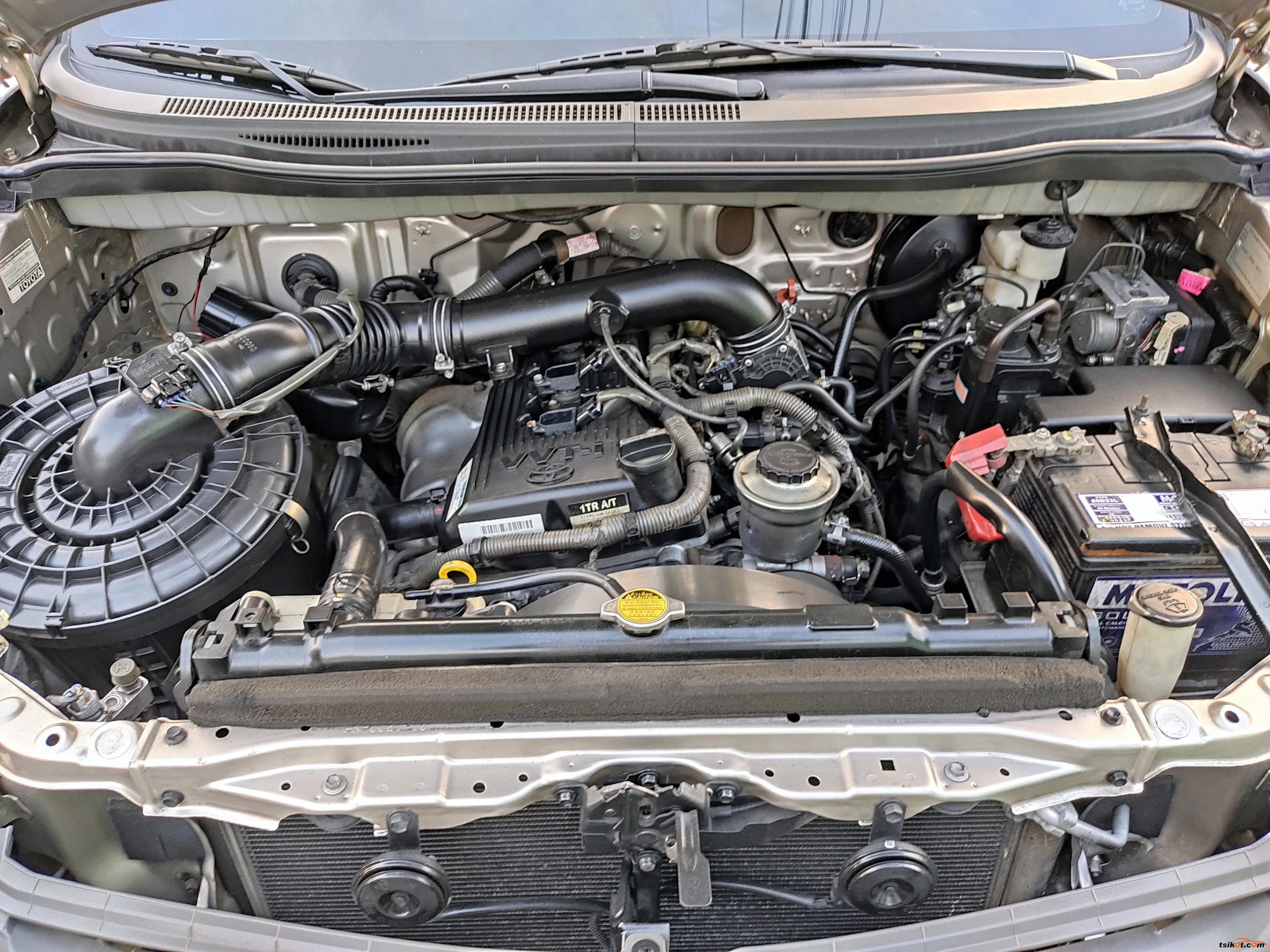 Toyota Innova 2012 - 10