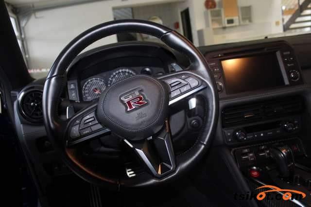 Nissan Gt-R 2018 - 10