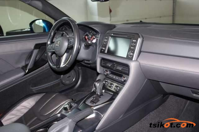 Nissan Gt-R 2018 - 8