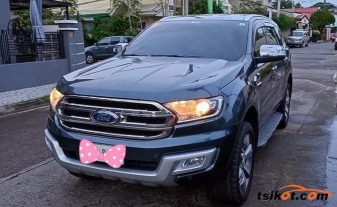 Ford Everest 2016 - 1