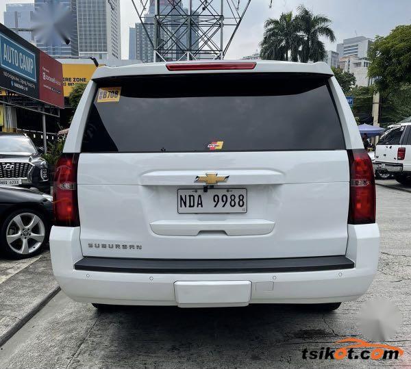 Chevrolet Suburban 2016 - 2