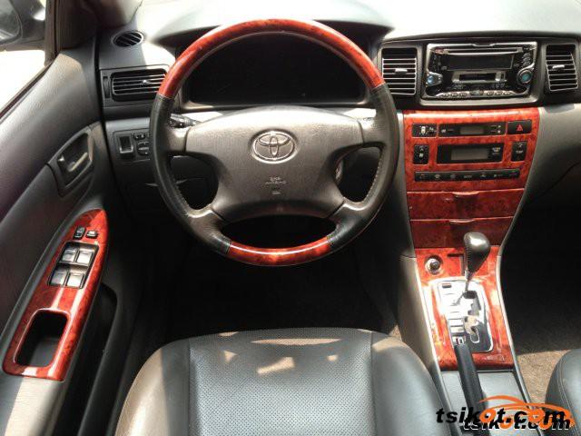 Toyota Corolla 2004 - 6