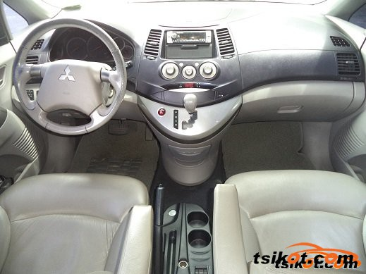 Mitsubishi Grandis 2007 - 2