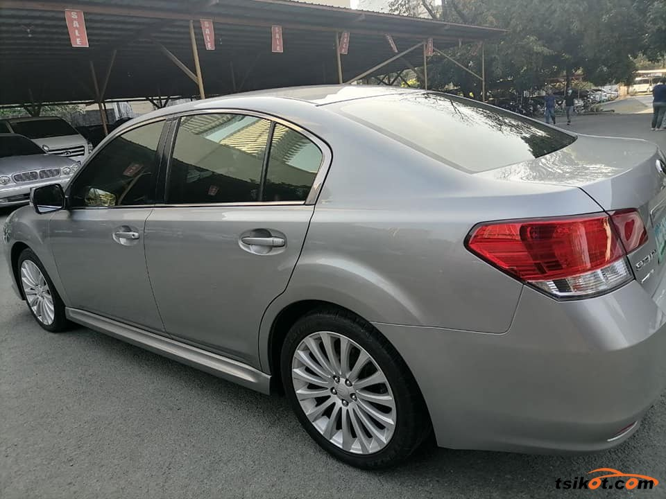Subaru Legacy 2010 - 3