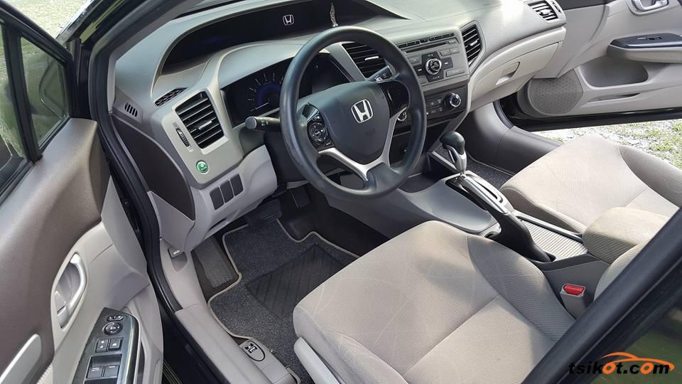 Honda Civic 2013 - 6