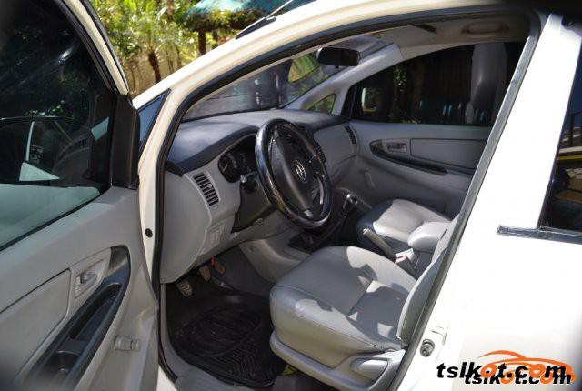 Toyota Innova 2005 - 3