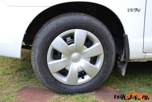 Toyota Innova 2005 - 6