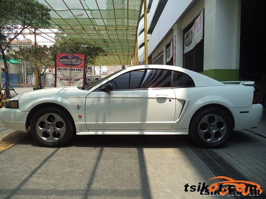 Ford Mustang 2002 - 4