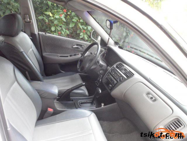 Honda Accord 2000 - 2