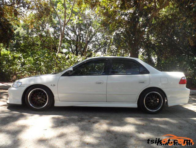 Honda Accord 2000 - 3