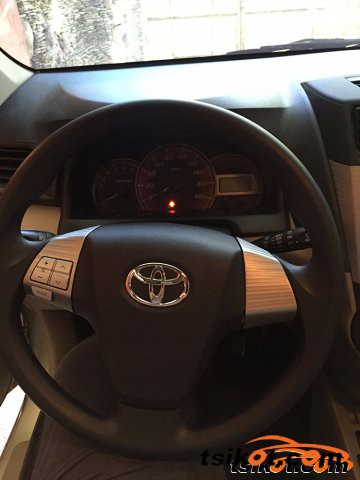 Toyota Innova 2014 - 2