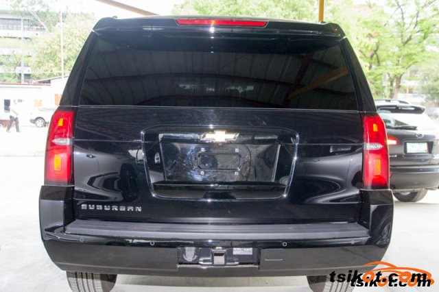 Chevrolet Suburban 2015 - 4