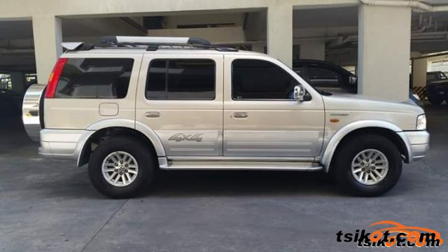 Ford Everest 2004 - 1