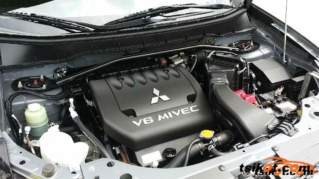 Mitsubishi Outlander 2007 - 2