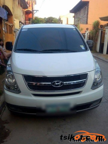 Hyundai Starex 2010 - 3
