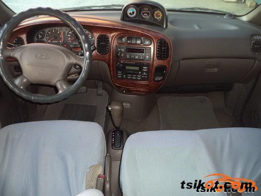 Hyundai Starex 2003 - 2