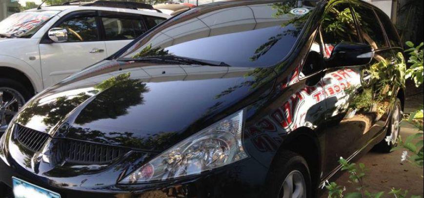 Mitsubishi Grandis 2010 - 1