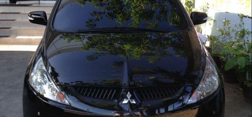 Mitsubishi Grandis 2010 - 2