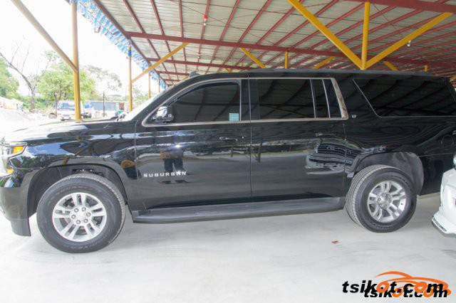 Chevrolet Suburban 2015 - 1