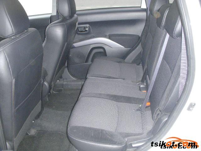 Mitsubishi Outlander 2010 - 3