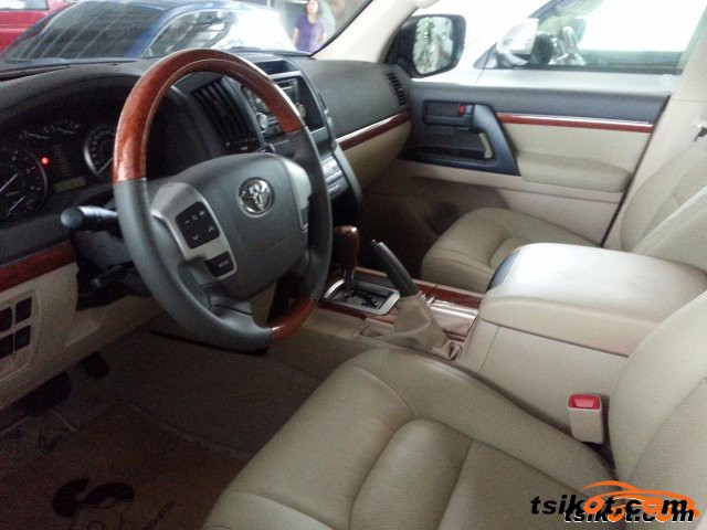 Toyota Land Cruiser 2015 - 2