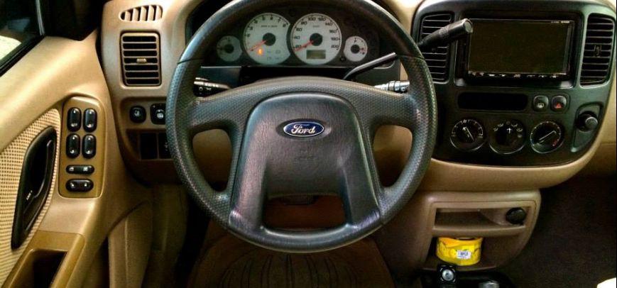 Ford Escape 2004 - 9