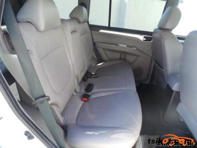 Mitsubishi Pajero 2011 - 4