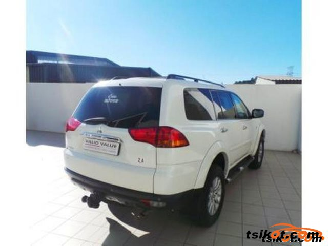 Mitsubishi Pajero 2011 - 5