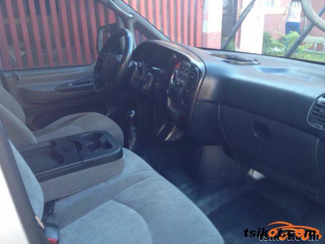 Hyundai Starex 2006 - 3
