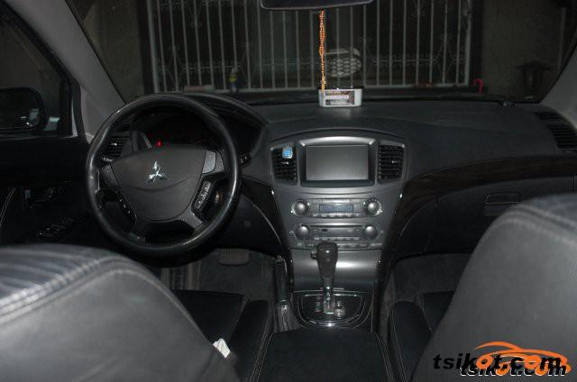 Mitsubishi Galant 2010 - 1